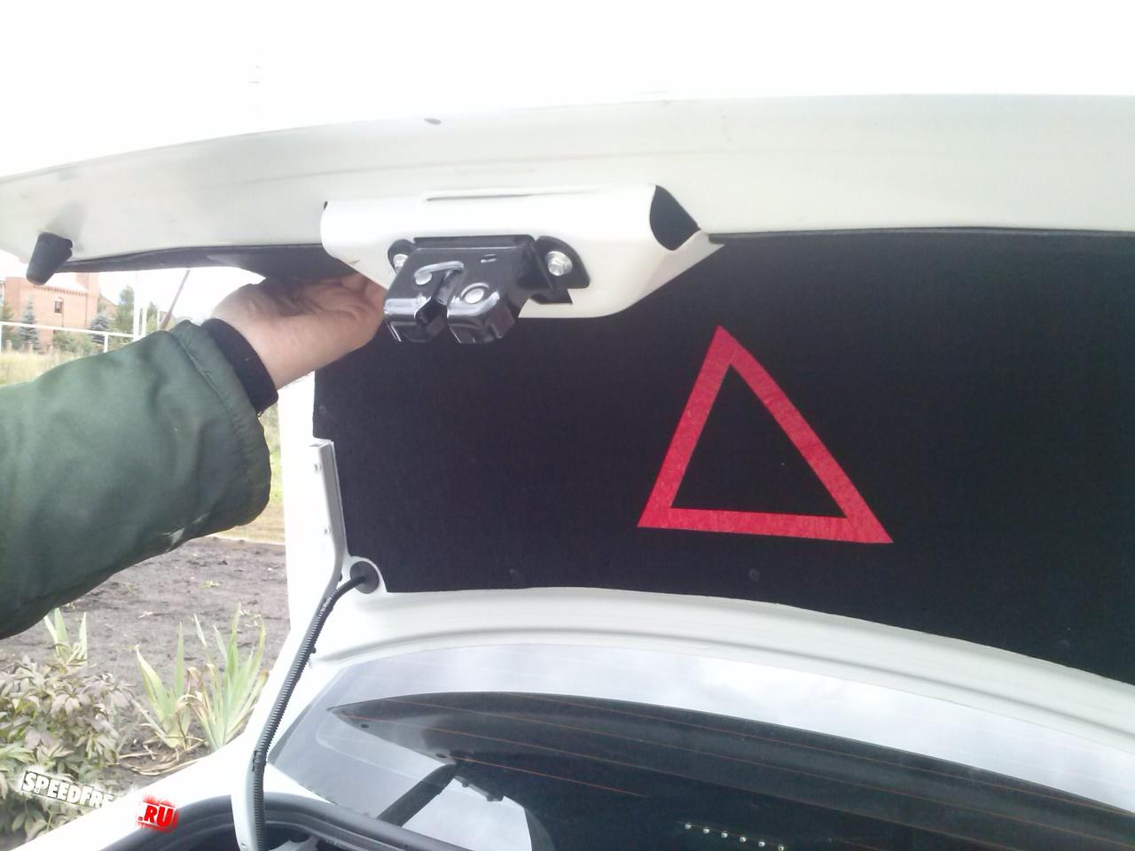 Обшивка крышки багажника гранта купить