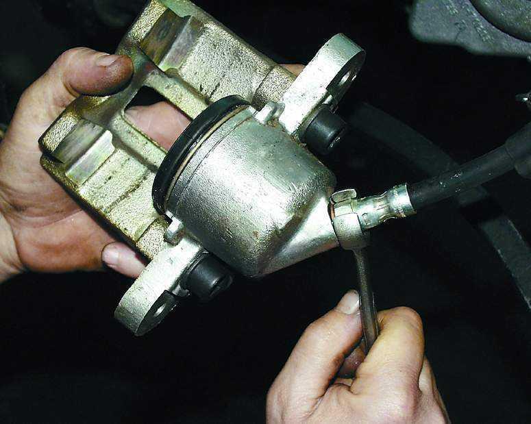 Замена переднего тормозного цилиндра ваз 2110